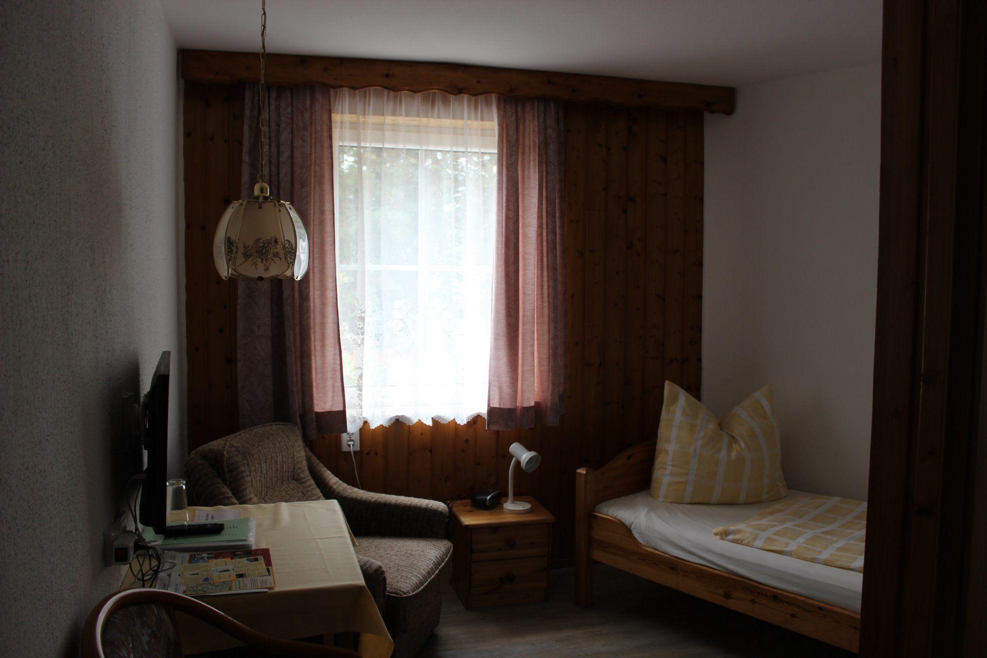 Einbettzimmer 5